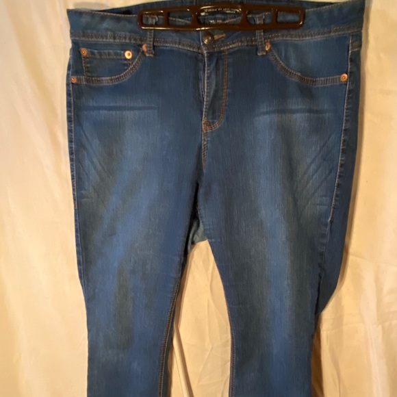Slim boot jeans